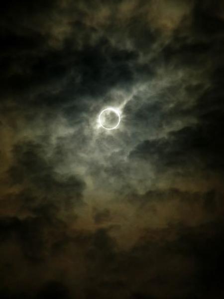 GALERIE – Neuvěřitelné zatmění slunce