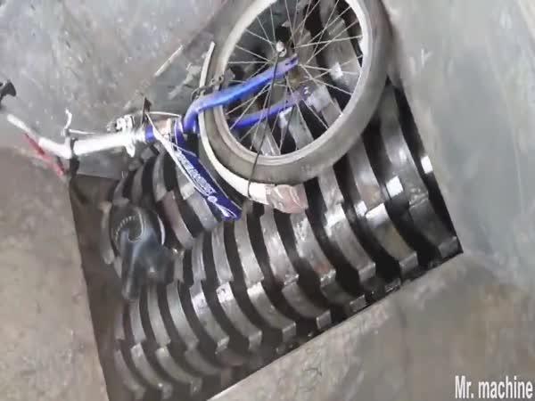 Drtič kovů v akci