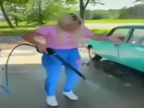 Když jdete poprvé umývat auto