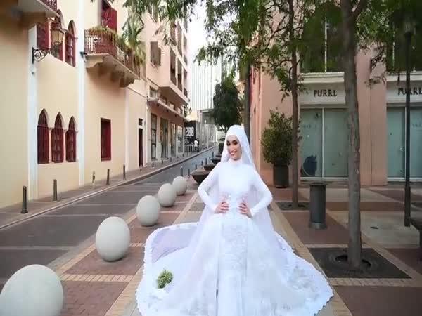 Nevěsta v Bejrútu během exploze