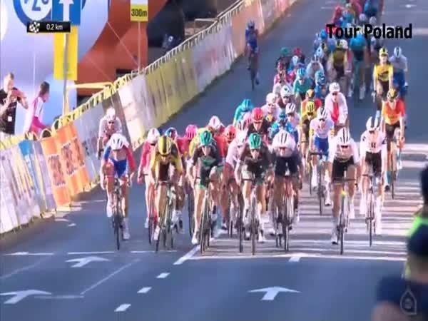 Ošklivá nehoda na Tour de Poland