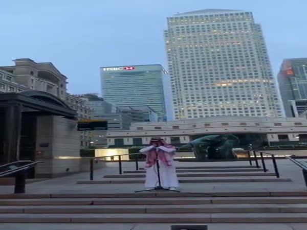 Svolávání muslimů k modlitbě v Londýně