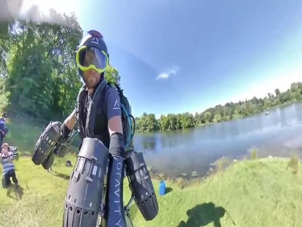 Oblek JetSuit od Gravity Industries