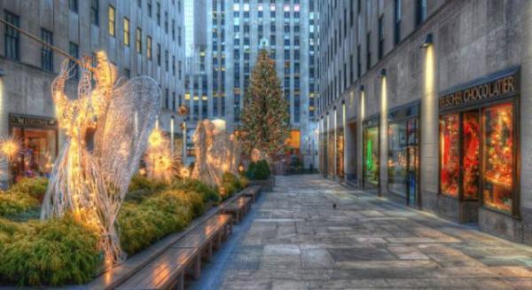 GALERIE – Vánoční osvětlení po celém světě