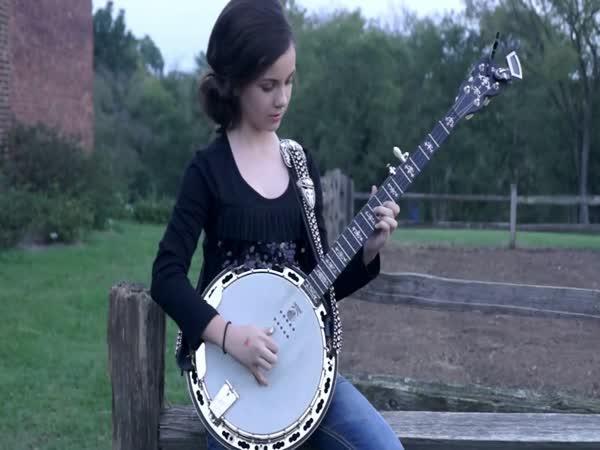 Hraje na banjo od 4 let