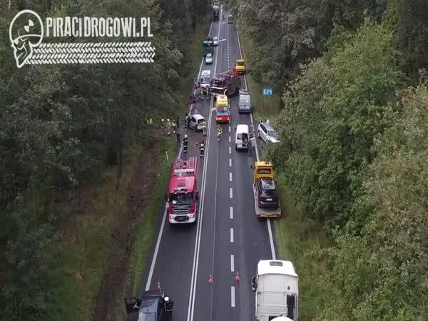 23letý řidič BMW naboural 6 automobilů