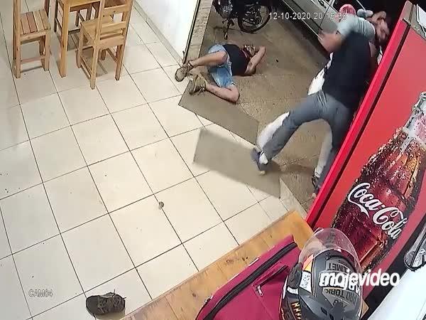 Ubránil se dvěma agresorům