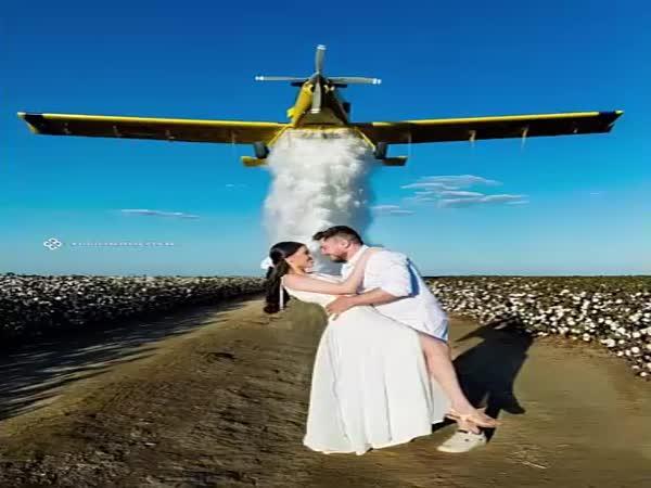 Nebezpečná svatební fotka