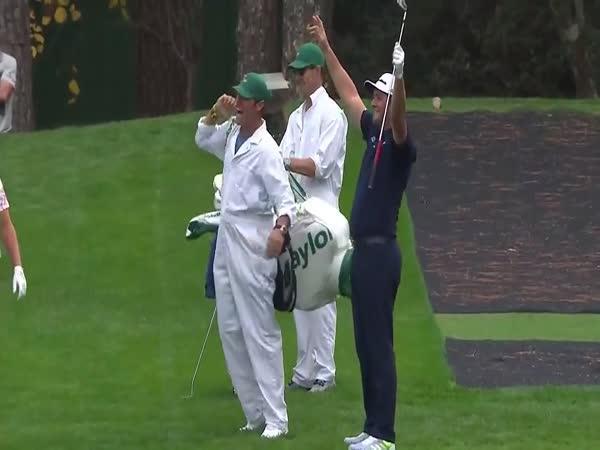 Skvěle trefený úder v golfu
