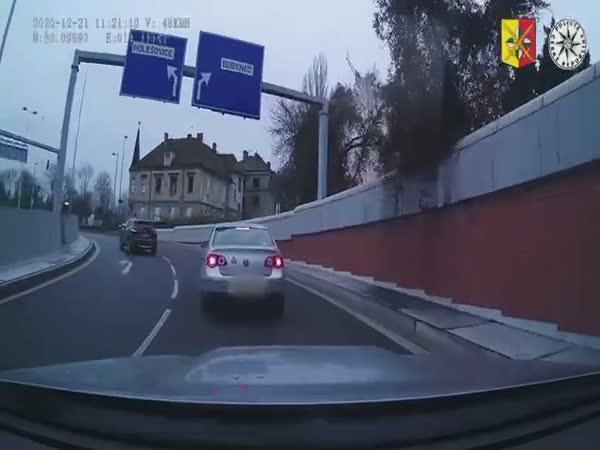 Pronásledoval řidiče, který ho naboural