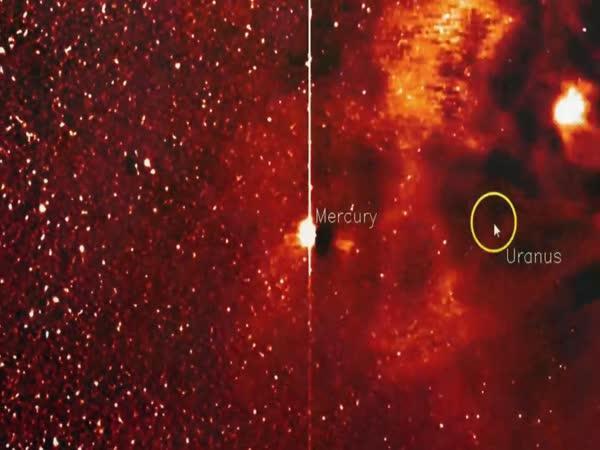 Tajemný objekt velikosti planety